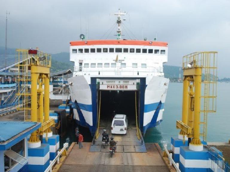 Kapal Ferry (Roro) yang akan ditambah jumlahnya oleh Pemprov Sumbar untuk memperlancar transportasi laut antara Kota Padang - Mentawai. (Dok : Istimewa)