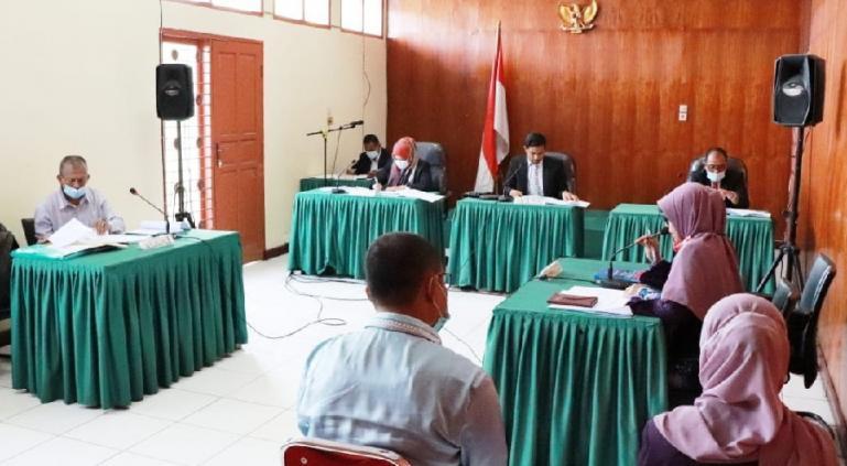 Sidang lanjutan sengketa informasi antara Syarif Isran dengan termohon Sekretariat Daerah Kabupaten (Sekkab) Agam, di KI Sumbar, Kamis (22/4). (Dok : Istimewa)