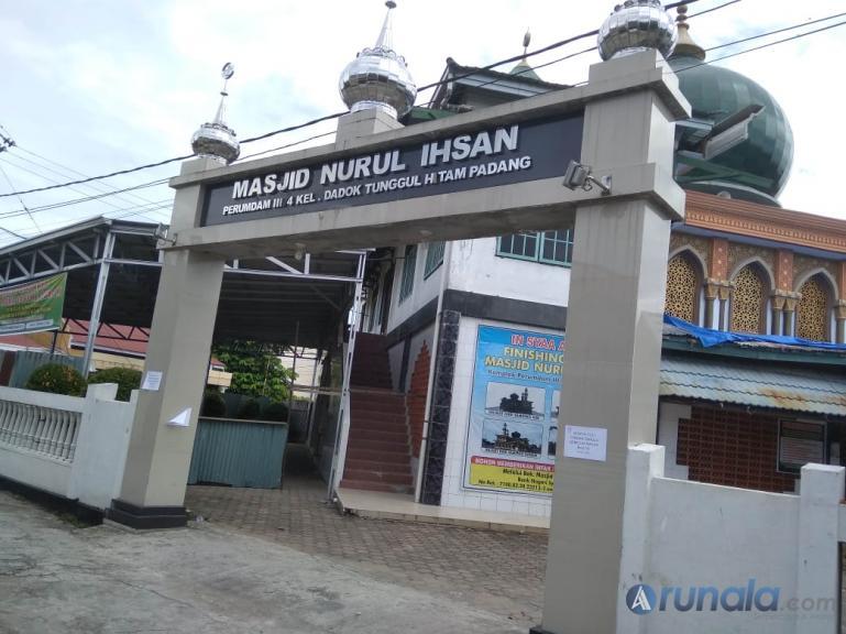 Masjid Nurul Ihsan di Komplek Perumdam IV Tunggul Hitam, Padang. (Foto : Dyz)