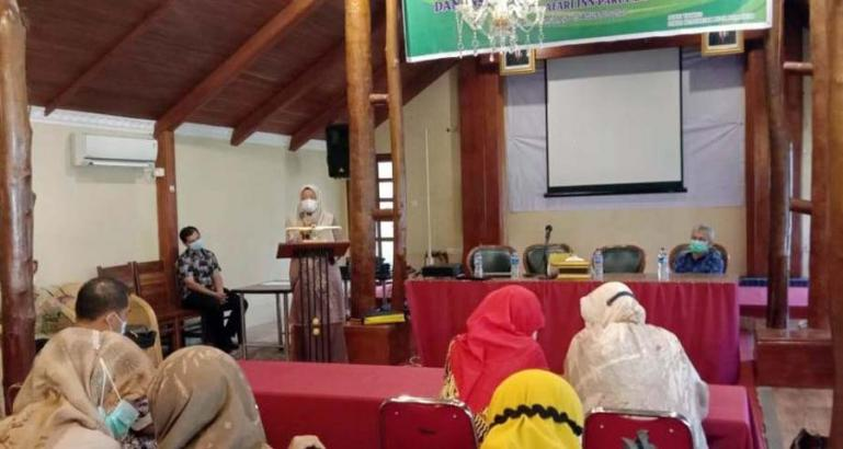 Kepala Dinas Kesehatan, Nazifah beri sambutan saat buka workshop pemahaman standar dan instrumen akrediatsi puskesmas, Jumat (13/8). ( Dok : Istimewa)