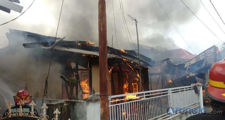 Lokasi kebakaran dikawasan Banuaran, Kelurahan Banuaran, Kecamatan Lubuk Begalung. Sabtu (26/12). (Foto : Can)