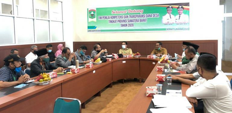 Tim TPKTDD Sumbar saat lakukan penilaian di Kabupaten Solok, Selasa (17/11). (Dok : Istimewa)