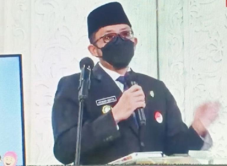 Wali Kota Padang, Hendri Septa saat membuka lomba Tahfiz Al Quran yang diselenggarakan Padang TV, Kamis (15/4). (Dok : Istimewa)