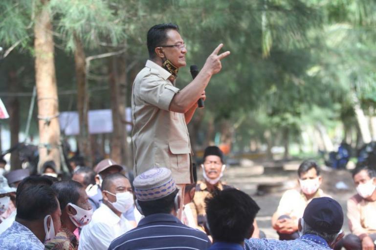 Cawagub Sumbar Indra Catri saat safari politik di Kecamatan Batang Kapas, Pessel, Sabtu (14/11). (Dok : Istimewa)