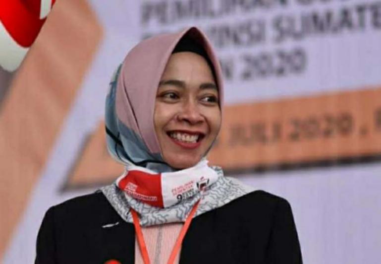 Yanuk Sri Mulyani Jabat Ketua KPU Sumbar (Dok : Istimewa)