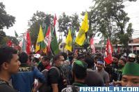 100 Orang Lebih Diamankan Polisi Saat Demo di Padang