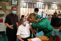 52 Nakes Usia Lanjut Ikuti Program Vaksinasi Covid-19