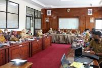 Bappeda Kota Pariaman Bahas Isu Terkait KLHS