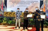 Bawaslu Sumbar Raih Penghargaan Bawaslu RI
