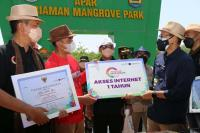 Desa Apar Pariaman Dapat Internet Gratis Setahun