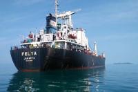 Dua Kapal Pembawa Bijih Besi Tertahan di Pelabuhan Teluk Bayur