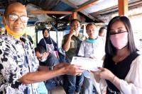 H. M. Nurnas Berbagi Pula dengan Wartawan
