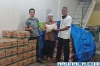 IKEPIKA Bagikan 200 Paket Sembako untuk Buruh Angkat