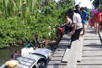 Jembatan Desa Nemnem Leleu di Mentawai Ambruk