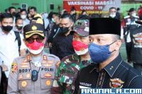 Kapolda Hadiri Pelaksanaan Vaksinasi di Bukittinggi