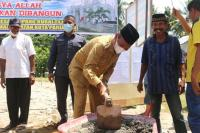 Masjid Raya Desa Simpang Kuraitaji Mulai Dibangun