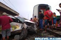 Minibus Vs KA Sibinuang, Satu Orang Tewas