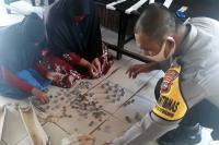 Pelajar SD Pulau Punjung Pecahkan Celengan Bantu Beli APD