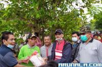 Pemkab Pessel Bantu Warga Terdampak Banjir