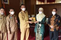 Rektor IAIN Bukittinggi Temui Genius Umar