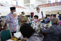 Ribuan Mahasiswa Unand Antusias Ikut Vaksin