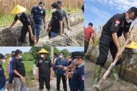 Saluran Irigasi Desa Cubadak Mentawai Dibersihkan