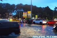 Sejumlah Ruas Jalan Kota Padang Digenangi Air