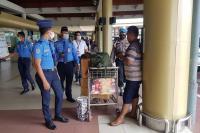 Tak Pakai Masker, Puluhan Pengguna Jasa Bandara BIM Terjaring