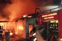 Tiga Rumah Warga Terbakar di Tunggul Hitam, Dua Unit Ludes