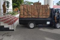 Total 9.000 Paket Sembako Disebar Nevi Zuairina