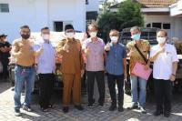 Warga Tionghoa Padang Bantu 4 Ton Beras